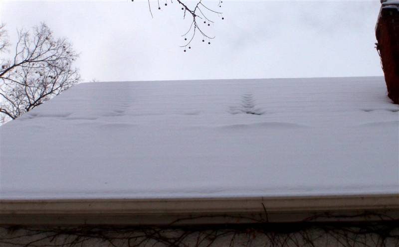 What can snow on the roof tell me about my home?