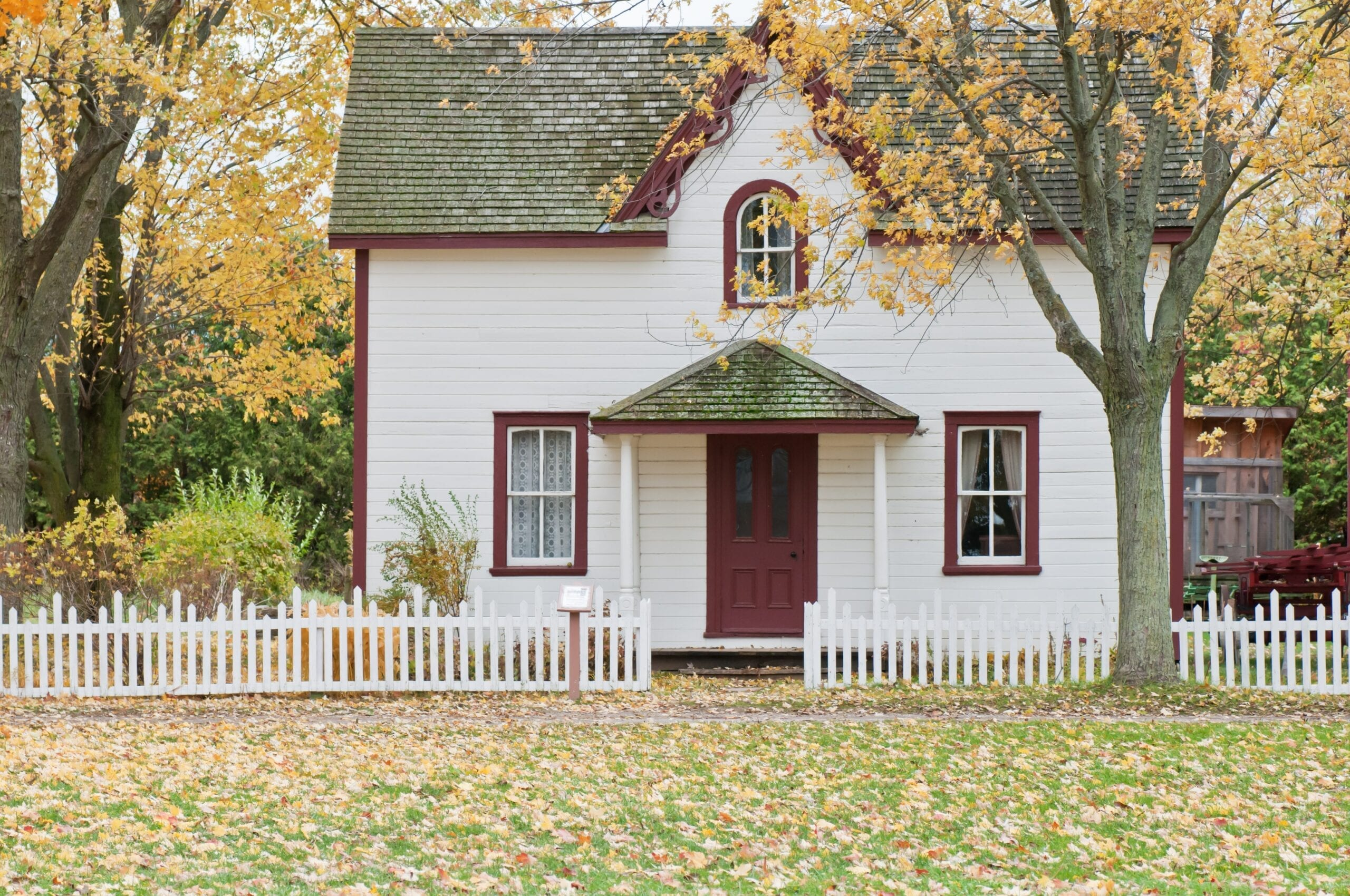Home in Fall to Go Green